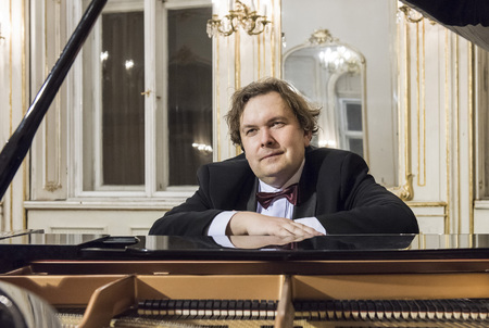 """Klavírní koncert """"Géniové světové hudby v klavírních proměnách"""""""