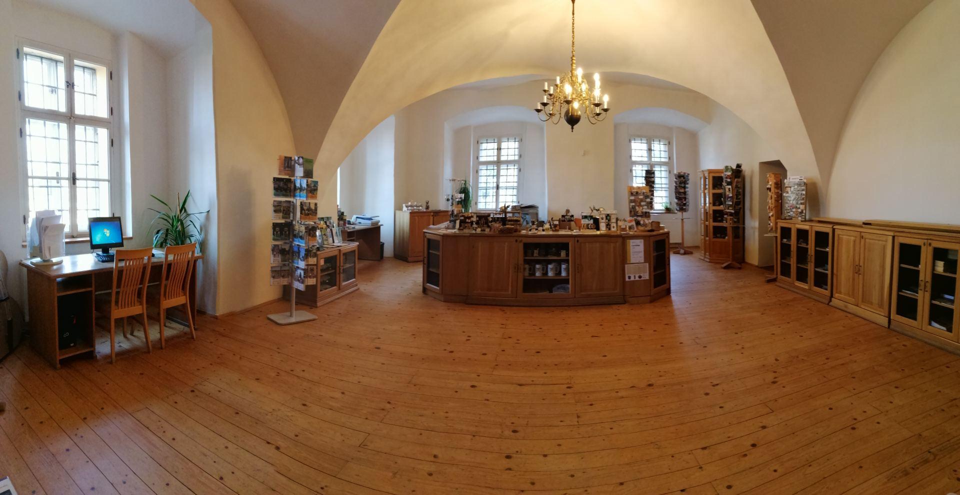 Základní informace o Regionálním informačním centru ve Šluknovském zámku